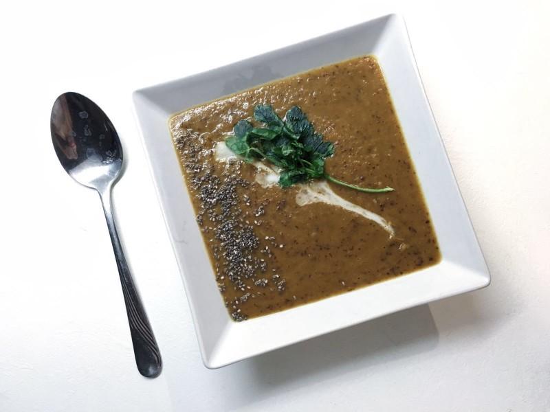 Fazuľová polievka s chia semienkami